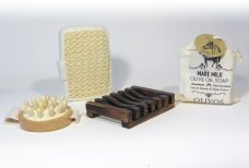 Presentje, Olivos paardenmelkzeep, olijfzeepbakje, massageborstel, sisal spons